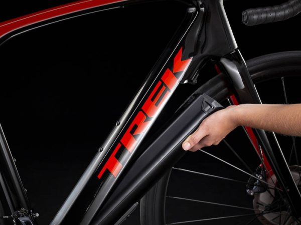 bicicleta-trek-domane-lt-red-radioactive-trek-black